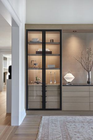 display cabinet 10